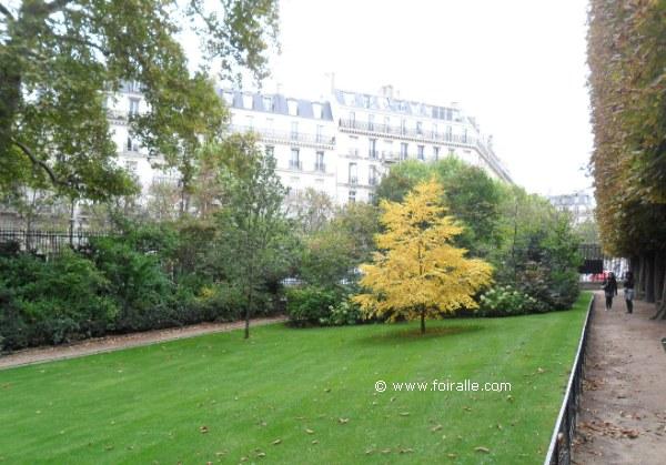 Paris en automne au jardin de luxembourg palais boulevard for Au jardin st michel pontorson